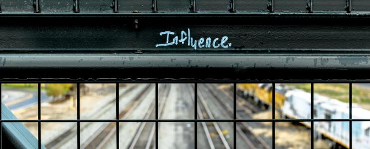 BloggerInfluencerYoutuberWas verbirgt sich hinter diesen digitalen Berufen Photo by Elijah Macleod on Unsplash